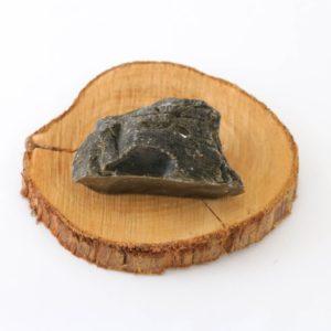 Pedra bruta Obsidiana Dourada